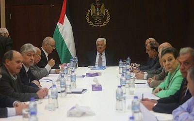 Palestinian Authority President Mahmoud Abbas chairs a meeting of the Palestine Liberation Organization (PLO) Executive Committee in the West Bank city of Ramallah on April 4, 2016. (Flash90)