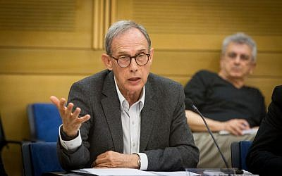Zionist Union MK Nachman Shai attends a committee meeting in the Knesset, April 13, 2016. (Miriam Alster/FLASH90)
