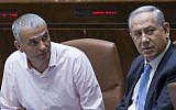Prime Minister Benjamin Netanyahu, right, speaks with Finance Minister Moshe Kahlon in the Knesset, June 1, 2016. (Yonatan Sindel/Flash90)