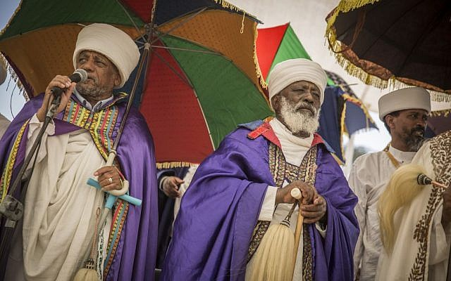 Members of Israel's Ethiopian community attend a memorial service on Mount Herzl in Jerusalem on June 5, 2016, dedicated to the Ethiopians who died on their journey to Israel. (Photo by Hadas Parush/Flash90)