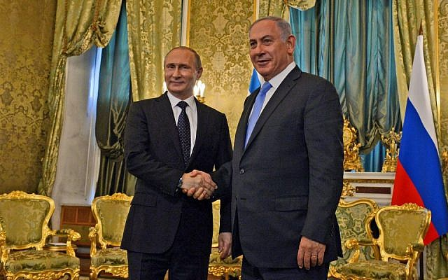 Prime Minister Benjamin Netanyahu (right) meets with Russian President Vladimir Putin in Moscow, Russia, on June 7, 2016. (Haim Zach/GPO)