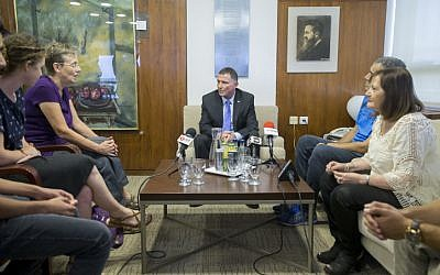 Knesset Speaker Yuli Edelstein meets with the families of late Israeli soldiers Oron Shaul and Hadar Goldin at the Knesset in Jerusalem, June 27, 2016. (Yonatan Sindel/Flash90)