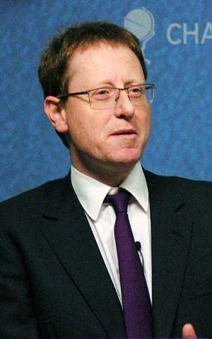 British Jewish journalist Jonathan Freedland in 2013 (Wikimedia Commons, Chatham House, CC BY 2.0)