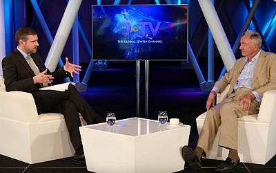In a lengthy interview on cable channel J-TV, historian Dr. Alan Mendoza grills former London mayor Ken Livingstone on his claim that Hitler supported Zionism. The interview was released on Jun 21, 2016. (YouTube screenshot)