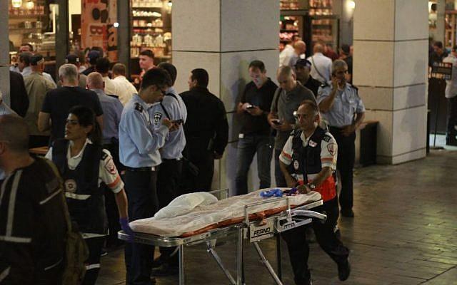 The scene of the Sarona complex terror attack in Tel Aviv on June 8, 2016 (Judah Ari Gross/Times of Israel)