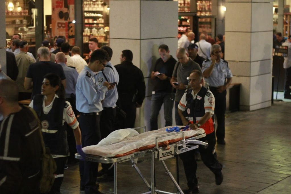 The scene of the Sarona complex terror attack in Tel Aviv on June 8, 2016 (Judah Ari Gross/Times of Israel)