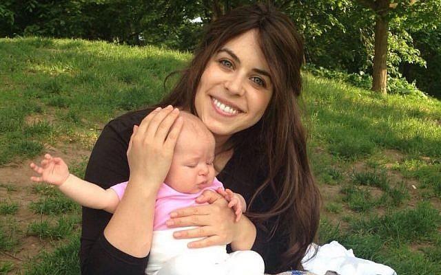 Myriam Schottenstein, the founder of ShayTell, a sheitel review website, and her daughter. (Courtesy of Schottenstein)