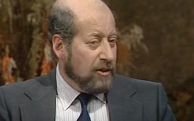 Clement Freud, grandson of Sigmund Freud, in 1982 (YouTube screenshot)