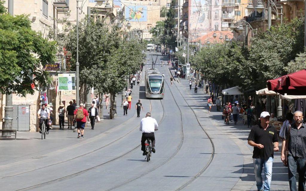 Jaffa street in Jerusalems city center. (Shmuel Bar-Am)