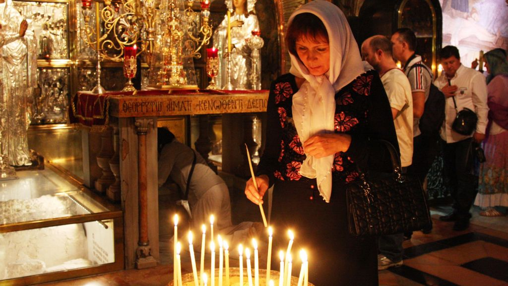 Inside the Church of the Holy Sepulchre, originally built by Crusaders in 1149. (Shmuel Bar-Am)