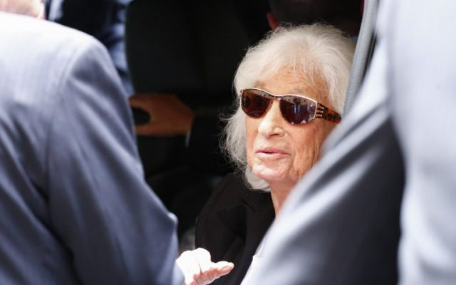 Marion Wiesel, wife of Nobel laureate and Holocaust survivor Elie Wiesel, departs the Fifth Avenue Synagogue following funeral services for her husband on July 3, 2016 in New York. ( AFP PHOTO / KENA BETANCUR)