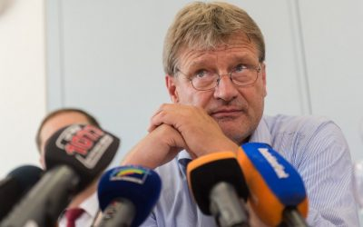 Joerg Meuthen, parliamentary group leader of the right-wing populist party AfD (Alternative for Germany) in the regional parliament of Baden-Wuerttemberg, southern Germany, gives a press conference on July 5, 2016 at the regional parliament in Stuttgart. (AFP PHOTO / dpa / Daniel Maurer)