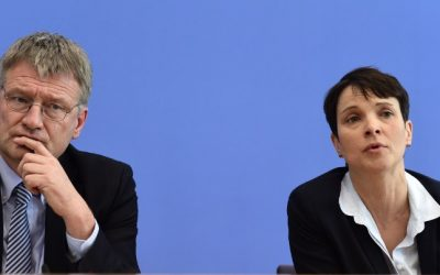 The head of right-wing populist Alternative for Germany (AfD) Frauke Petry (R) and then AfD main-candidates in Baden-Wuerttemberg Joerg Meuthen during a press conference in Berlin. March 14, 2016 (AFP Photo/John MacDougall)