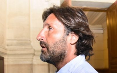 French trader Arnaud Mimran arrives at the Paris courthouse on July 7, 2016 for deliberations in his trial over an alleged carbon tax scam.(AFP PHOTO / BERTRAND GUAY)