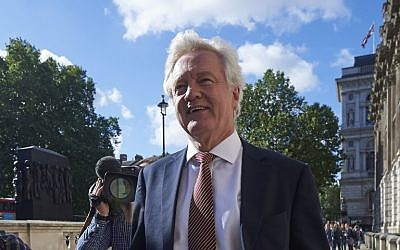 British Secretary of State for Exiting the European Union (Brexit Minister) David Davis arrives at the Cabinet Office in central London on July 14, 2016 on the first full day in his new role following his appointment by new prime minister Theresa May. (AFP PHOTO / Niklas HALLE'N)