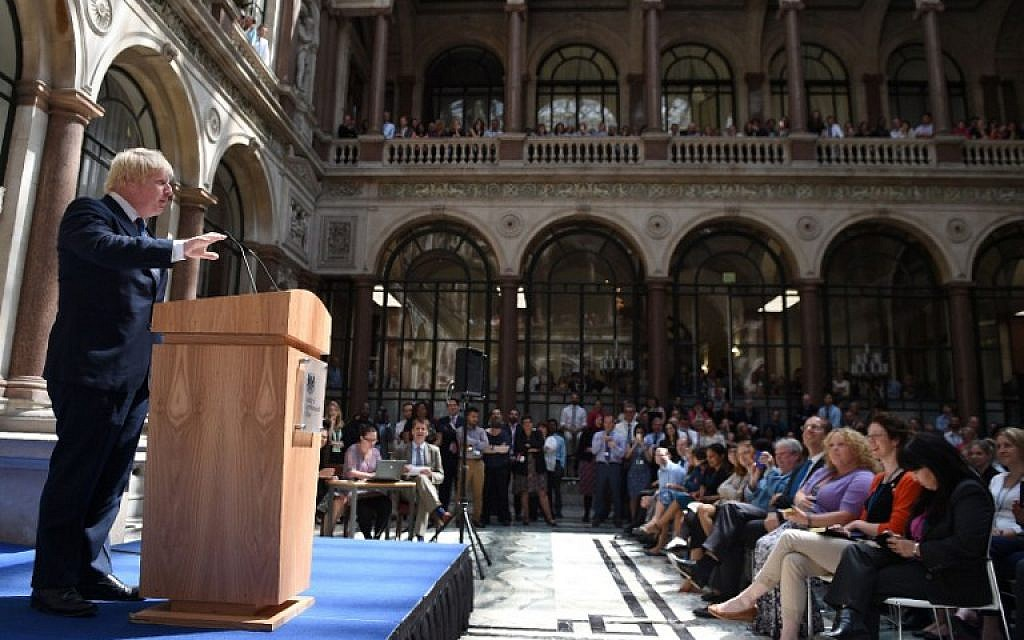 Newly appointed Foreign Secretary Boris Johnson addresses staff inside the Foreign and Commonwealth Office in central London on July 14, 2016, as cabinet appointments by new prime minister Theresa May are made on her first full day in office. (AFP/ POOL/Andrew Matthews)