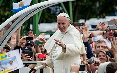 Pope Francis greets the faithful in his popemobile as he arrives at the Jasna Gora Monastery in Czestochowa, Poland, July 28, 2016. (AFP/Wojtek Radwanski)