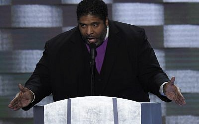 Reverend William Barber addresses delegates on the fourth and final day of the Democratic National Convention at Wells Fargo Center on July 28, 2016 in Philadelphia, Pennsylvania. (AFP PHOTO / SAUL LOEB)