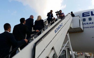 Benjamin Netanyahu and his wife Sara Netanyahu boarding a plane to Uganda at Ben-Gurion International Airport on July 4, 2016. Raphael Ahren/Times of Israel)