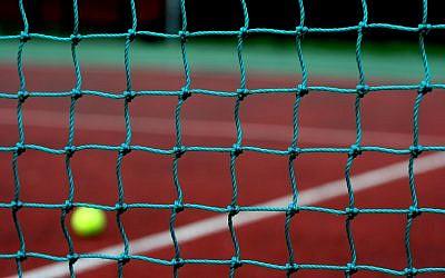 Illustrative photo of a tennis net. (CC BY 2.0 DaveMontPhotography/Flikr)