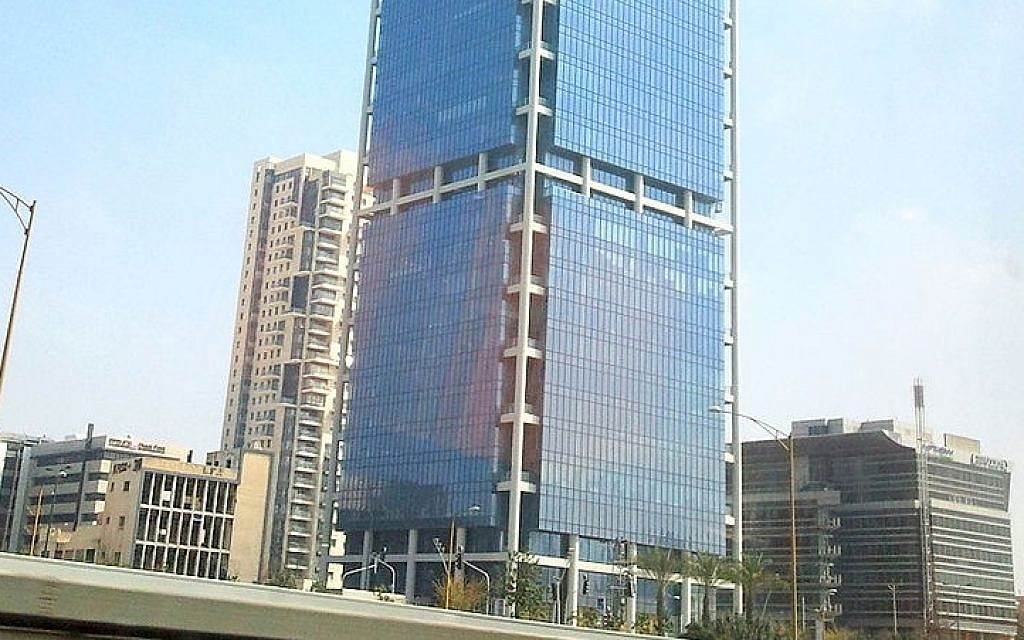 Tel Aviv's Electra Building is home to multiple binary options firms (Lior4040 / Wikipedia)
