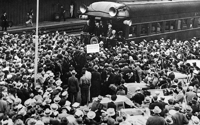 Republican candidate Alf Landon arriving on a train in Pasadena during the 1936 presidential campaign. (Austrian Archives/Imagno/Getty Images)