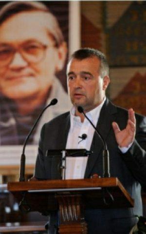 Bogdan Bialek (Wikimedia Commons, Wiesław Majka, CC BY-SA 3.0)