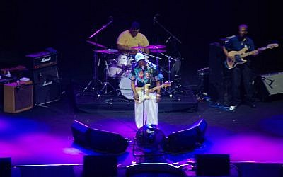 Buddy Guy opened the third Tel Aviv Blues Festival on Wednesday, July 13, 2016 at the Caesarea Amphitheater. (Miriam Nahum/Times of Israel)