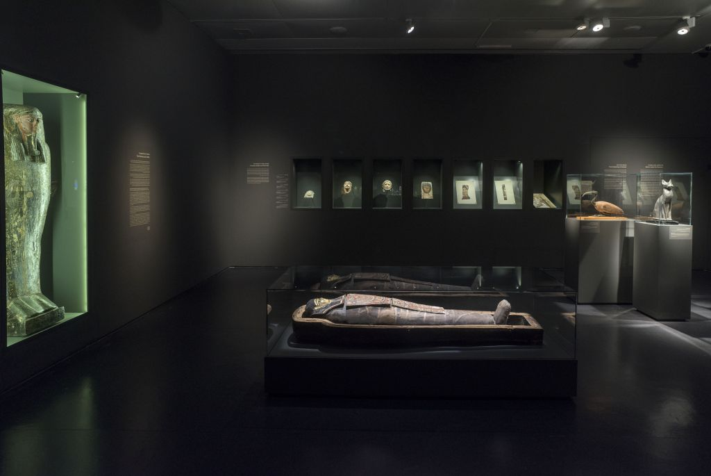 "The mummy of Iret-hor-iru at the Israel Museum's new exhibit: ""A Mummy in Jerusalem: Secrets of the Afterlife"" (Eli Posner/Israel Museum)"