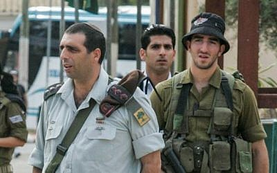 Golani Brigade Commander Ofek Buchris (L) seen during a visit Tel Hashomer army base on November 22, 2010.  (Flash90)
