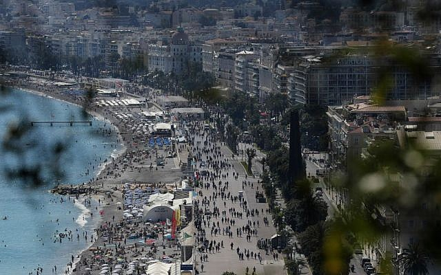 View of the famed Promenade des Anglais in Nice, southern France, Sunday, July 17, 2016, three days after a truck mowed through revelers. (AP Photo/Francois Mori)