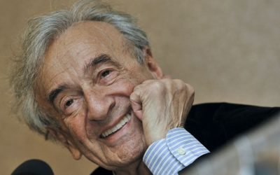 Elie Wiesel during a news conference in Budapest, Hungary, in 2009. (AP Photo/Bela Szandelszky, file)