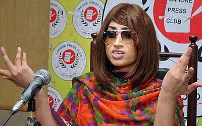 Pakistani fashion model Qandeel Baloch speaks during a press conference in Lahore, Pakistan on June 28, 2016. Baloch, who stirred controversy by posting pictures of herself with a Muslim cleric on social media, was strangled to death by her brother soon after. (AP Photo/M. Jameel)