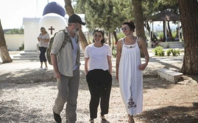'Game of Thrones' cast members Liam Cunningham, Maisie Williams and Lena Headey visit IRC programs at Diavata refugee site in northern Greece (credit: Tara Todras-Whitehill/IRC)