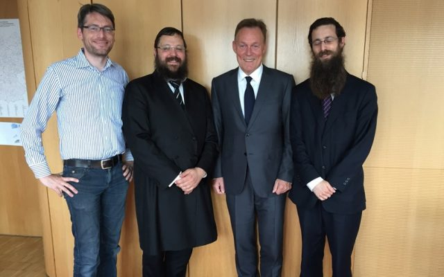 Rabbi Yehudah Teichtal, 2nd L, and Thomas Oppermann, 3rd L, in Berlin on June 28, 2016. (Courtesy Yehudah Teichtal)