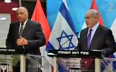 Prime Minister Benjamin Netanyahu and Egyptian Foreign Minister Sameh Shoukry talk to the press at the PM's Office in Jerusalem on July 10, 2016 (screen capture: Channel 2)