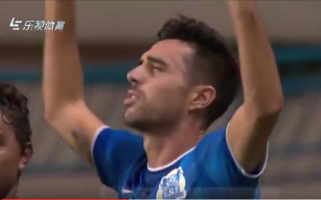 Israeli soccer star Eran Zahavi celebrates his first goal in his debut match in China, July 2, 2016. (screen capture: YouTube)