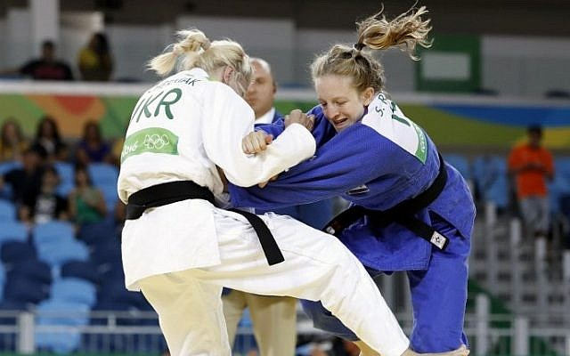 Israel's Shira Rishoni (blue) competes with Ukraine's Maryna Cherniak  during their women's -48kg judo match in Rio de Janeiro on August 6, 2016. (AFP/Jack Guez)