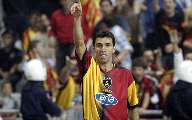 Hakan Sukur of Galatasaray Istanbul celebrating his goal during the Europe Championship preliminary soccer game against CSKA Sofia in Istanbul, Turkey, August 13, 2003. (AFP/Mustafa Ozer)