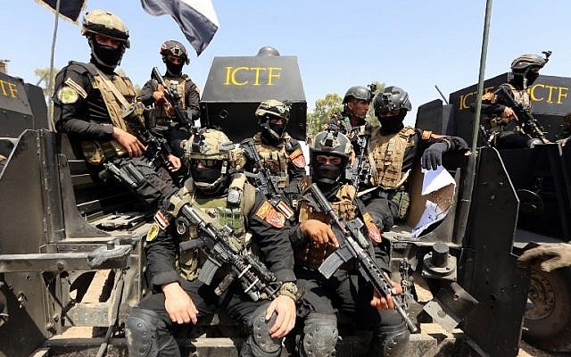 Members of Iraqi counter-terrorism forces take part in training under the command of international military instructors in Baghdad on March 20, 2016, as they prepare for a future operation aimed at retaking the northern city of Mosul. (AFP/Sabah Arar)