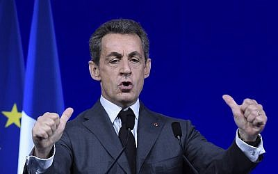 Former French president  Nicolas Sarkozy giving a speech during the LR National Council in Paris, February 13, 2016. (AFP/LIONEL BONAVENTURE)
