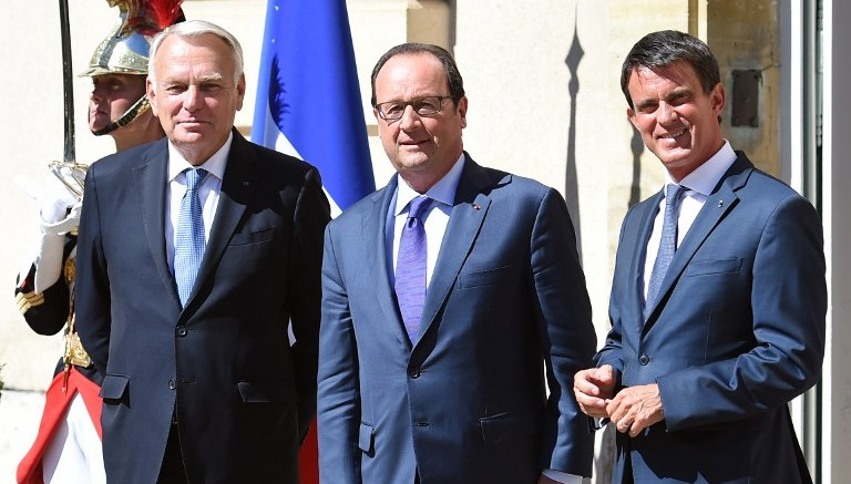a4cf9ba007 French Foreign Minister Jean-Marc Ayrault (L) French President Francois  Hollande (C