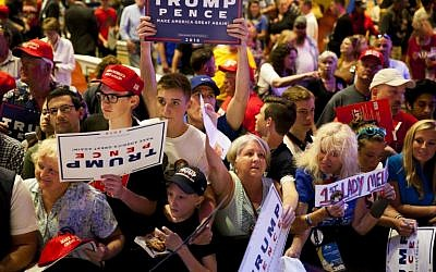 Supporters line up to meet Republican presidential candidate Donald Trump after his speech at the Merrill Auditorium in Portland, Maine on August 4, 2016. (Sarah Rice/Getty Images/AFP)