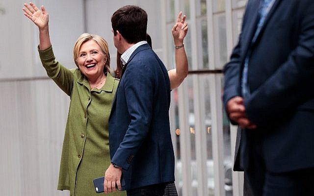 Democratic presidential candidate Hillary Clinton leaves John Jay College of Criminal Justice following a meeting with law enforcement officials , August 18, 2016 in New York City.  (Drew Angerer/Getty Images/AFP)