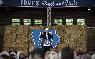 Republican presidential nominee Donald Trump speaks at the 2nd annual Joni Ernst Roast and Ride event on August 27, 2016 in Des Moines, Iowa. (Stephen Maturen/Getty Images/AFP)