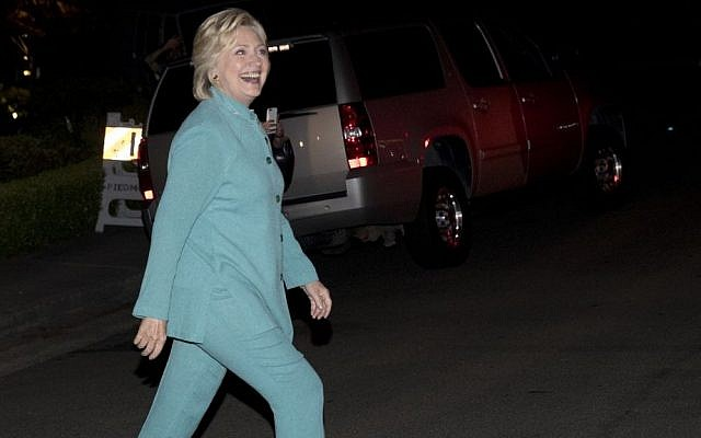Democratic presidential nominee Hillary Clinton walks to greet people on the street as she leaves a fundraiser in Piedmont, California, August 23, 2016. (AP/Carolyn Kaster)