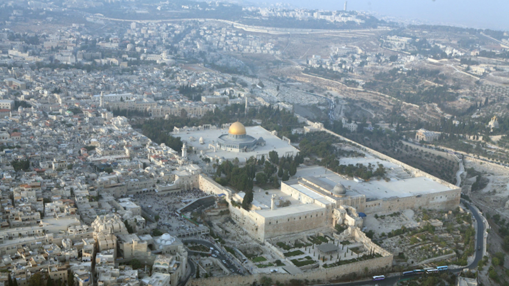 An aerial view shows the Temple Mount, the most holy site to Jews, and the Al-Aqsa mosque compound with the Dome of the Rock, the third most holiest site to Muslims in Jerusalem's Old City (Yossi Zamir/Flash 90)