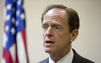 Senator Pat Toomey during a news conference in Philadelphia, May 9, 2016. (AP Photo/Matt Rourke)