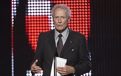 Clint Eastwood presents the hero award at the Guys Choice Awards at Sony Pictures Studios in Culver City, California, June 4, 2016. (Chris Pizzello/Invision/AP)