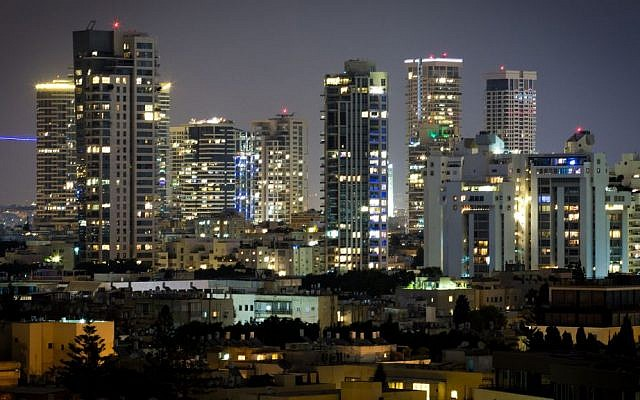 Illustrative view of Tel Aviv at night, August 29, 2016. (Miriam Alster/Flash90)